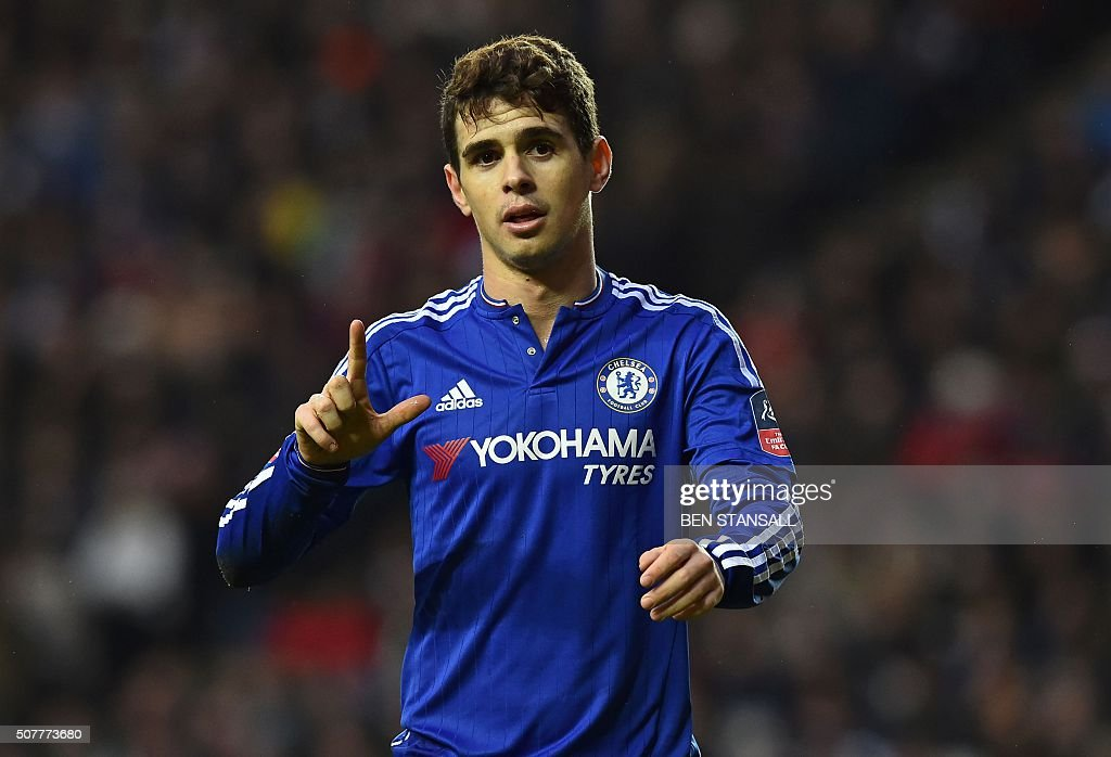 FBL-ENG-FACUP-MK DONS-CHELSEA : News Photo