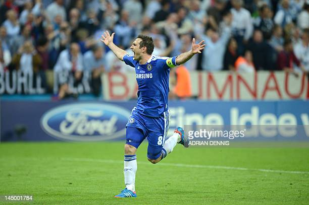 Chelsea's British midfielder Frank Lampard celebrates after the UEFA Champions League final football match between FC Bayern Muenchen and Chelsea FC...