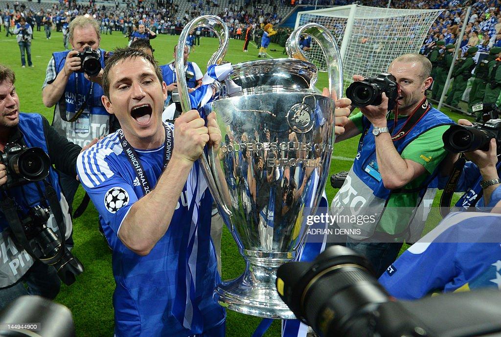 Chelsea's British midfielder Frank Lampa : News Photo