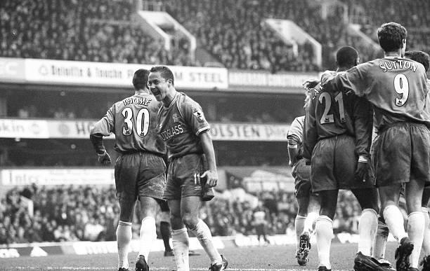 Chelsea's Dennis Wise celebrates Bernard Lambourde's winning goal.