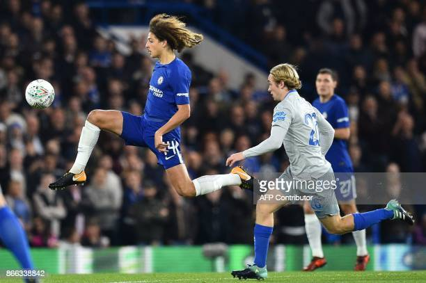 Chelsea's English defender Ethan Ampadu controls the ball by Everton's English midfielder Tom Davies during the English League Cup fourth round...