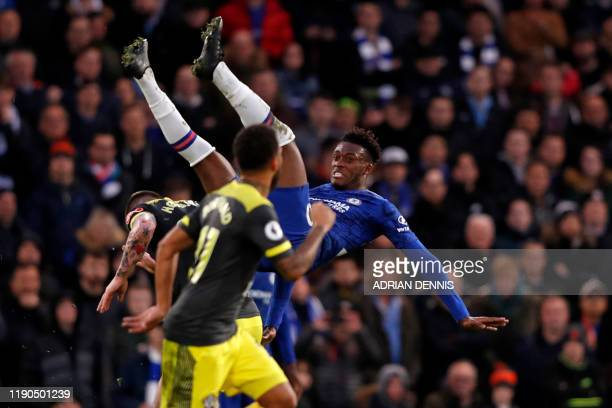 TOPSHOT Chelsea's English midfielder Callum HudsonOdoi vies with Southampton's Danish midfielder PierreEmile Hojbjerg during the English Premier...