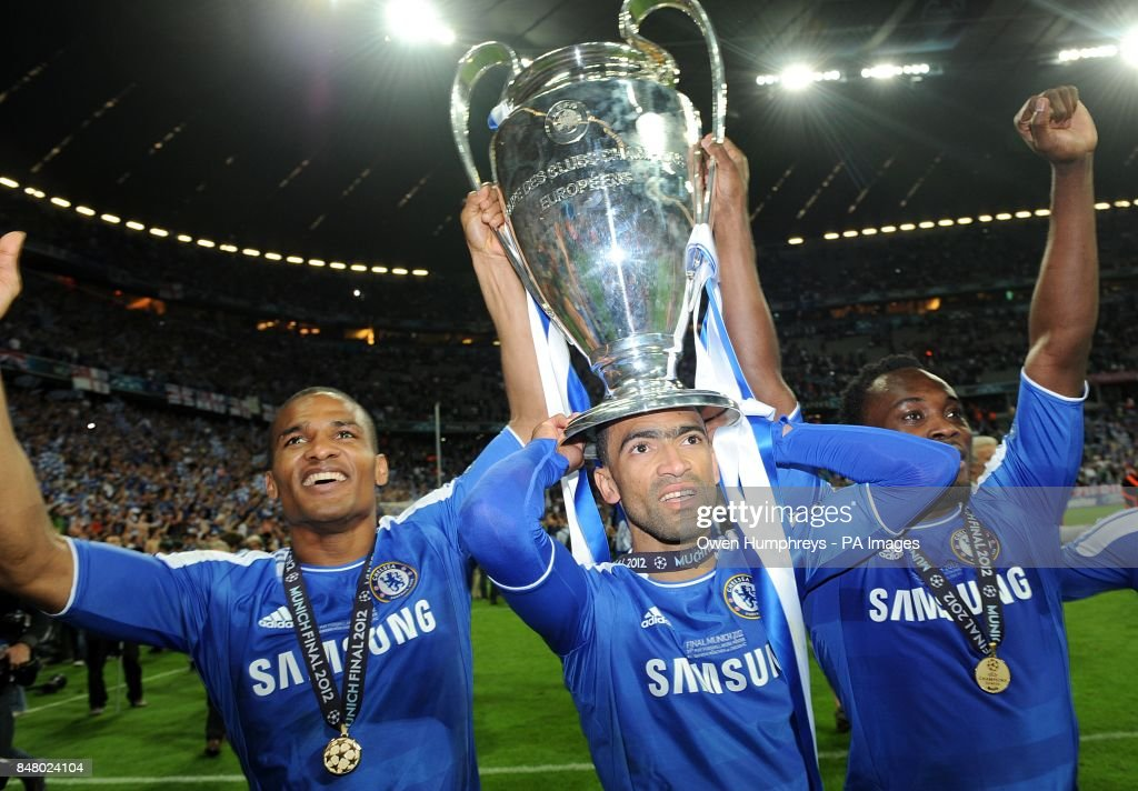 Chelseas Florent Malouda Jose Bosingwa And Michael Essien Left To Right Celebrate With