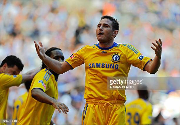 Chelsea's Frank Lampard celebrates after scoring against Everton in the FA Cup final at Wembley in north Londonon May 30 2009 AFP PHOTO/ADRIAN DENNIS