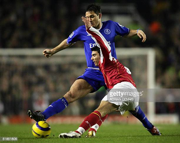 Chelsea's Frank Lampard takes the ball from Jose Antonio Reyes of Arsenal during the Premiership match at Highbury in London 12 December 2004 The...
