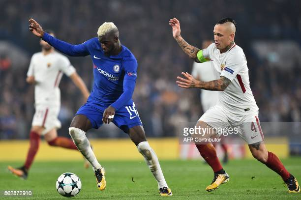 Chelsea's French midfielder Tiemoue Bakayoko vies with Roma's Belgian midfielder Radja Nainggolan during a UEFA Champions league group stage football...