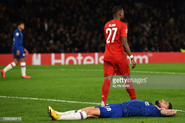 Chelsea's French striker Olivier Giroud reacts after failing to get to a crossshot from Chelsea's English midfielder Mason Mount during the UEFA...