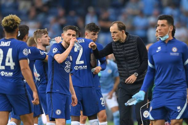 Chelsea's German coach Thomas Tuchel talks to his players during the UEFA Champions League final football match between Manchester City and Chelsea...