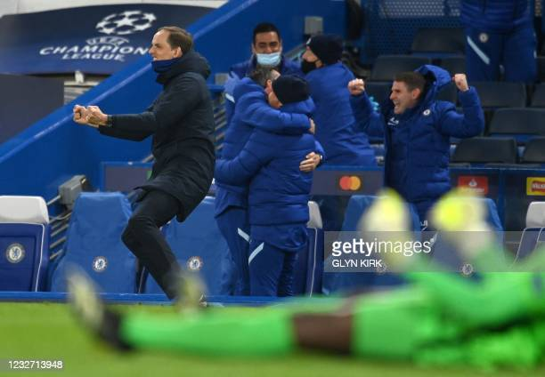 Chelsea's German head coach Thomas Tuchel celebrates after Chelsea's English midfielder Mason Mount scored his team's second goal during the UEFA...