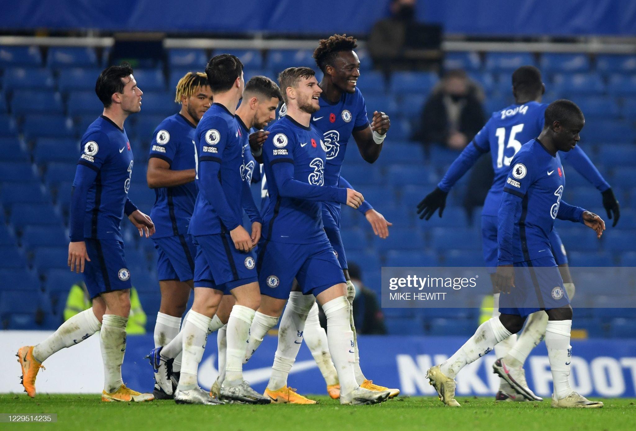 Chelsea shine and Fernandes saves Solskjaer