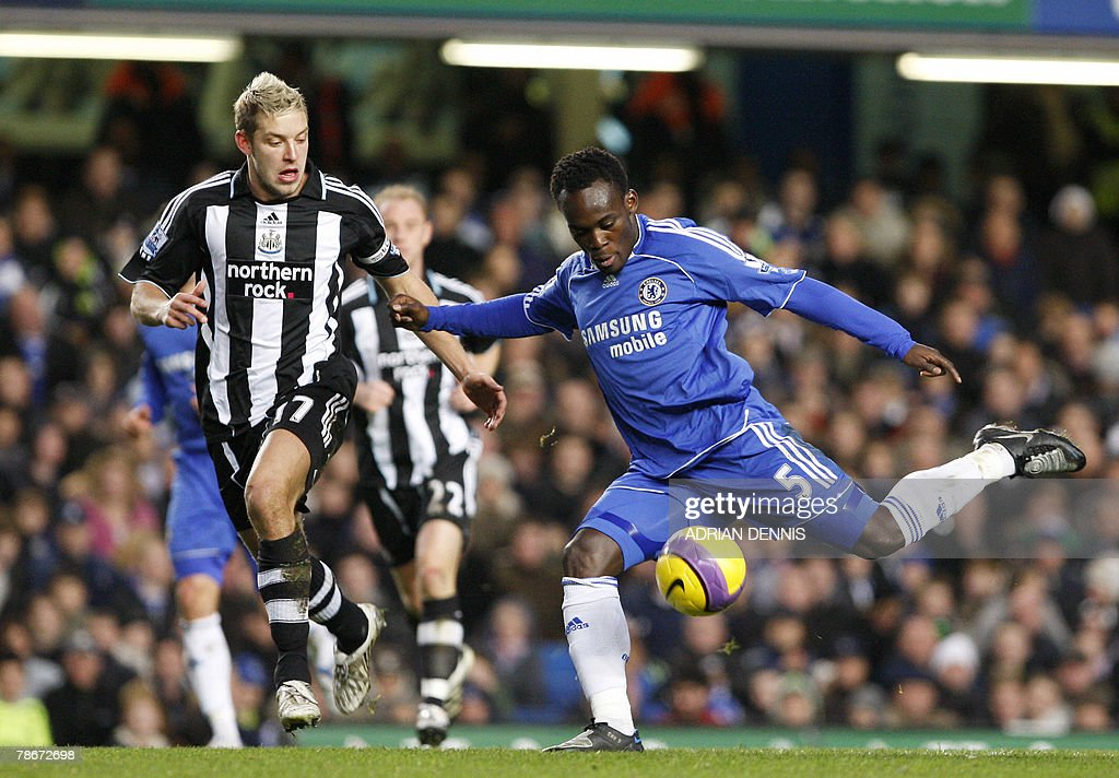 Chelsea's Ghanian player Michael Essien : News Photo