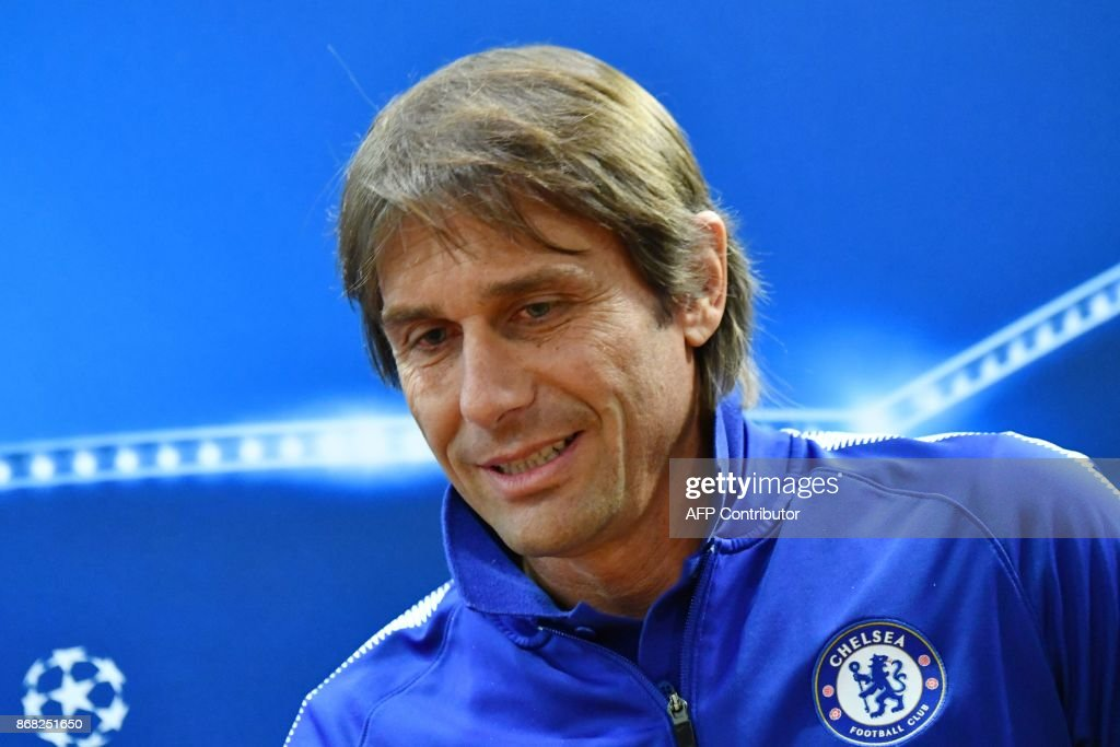 Chelsea's Italian head coach Antonio Conte attends a press conference on the eve of the UEFA Champions League football match AS Roma vs Chelsea, on October 30, 2017 at the Olympic stadium in Rome. / AFP PHOTO / Alberto PIZZOLI