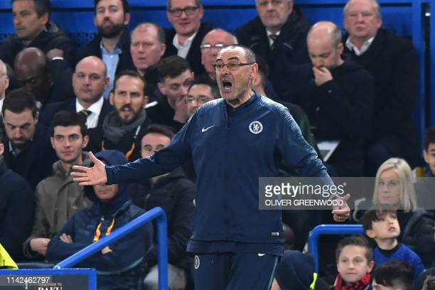 Chelsea's Italian head coach Maurizio Sarri reacts during the UEFA Europa League semifinal second leg football match between Chelsea and Eintracht...