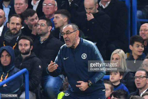 Chelsea's Italian head coach Maurizio Sarri reacts during the UEFA Europa League semifinal second leg football match between Chelsea and Eintracht...