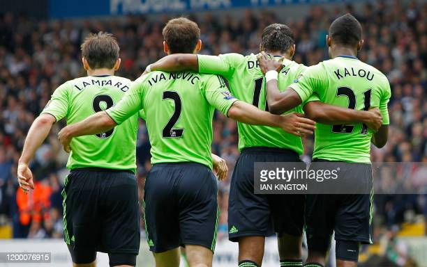 Chelsea's Ivorian striker Didier Drogba celebrates scoring his goal with Frank Lampard Branislav Ivanovic and Salomon Kalou during the English...