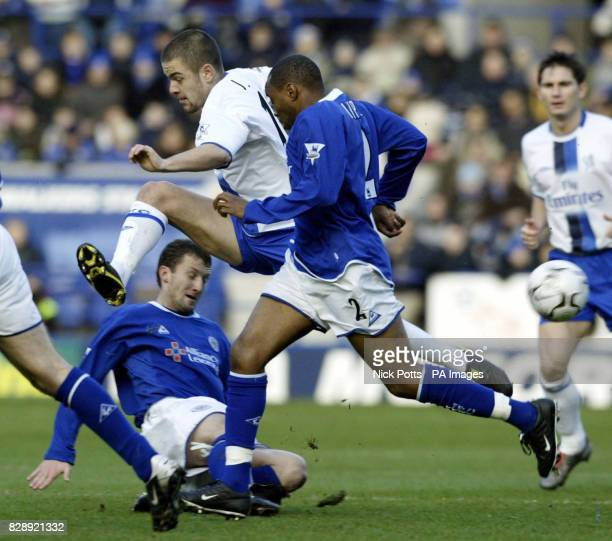Chelsea's Joe Cole run is stoped by Leicester City's Billy Mckinlay as Andrew Impey looks on during their Barclaycard Premiership match at the...