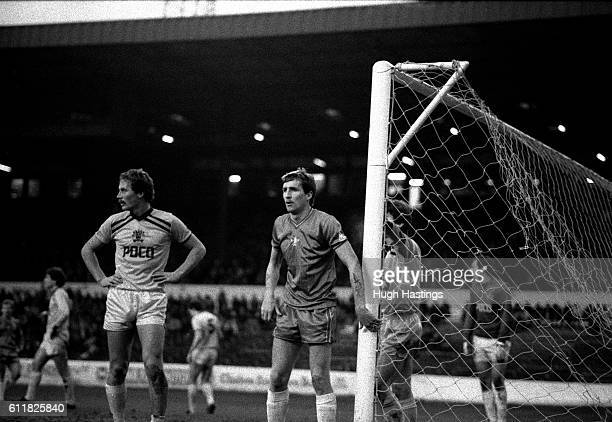 Chelsea's Joey Jones join the attack for a corner