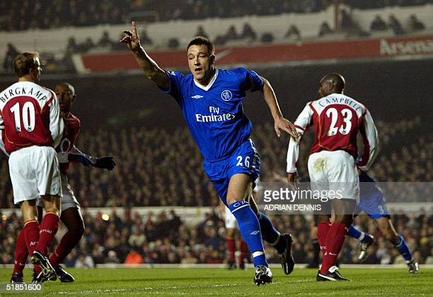 Chelsea's John Terry celebrates scoring against Arsenal during the Premiership match at Highbury in London 12 December 2004 AFP PHOTO Adrian DENNIS /...
