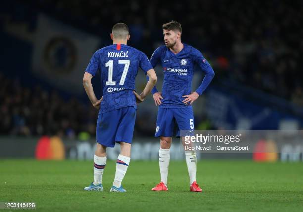 Chelsea's Jorginho and Mateo Kovacic during the UEFA Champions League round of 16 first leg match between Chelsea FC and FC Bayern Muenchen at...