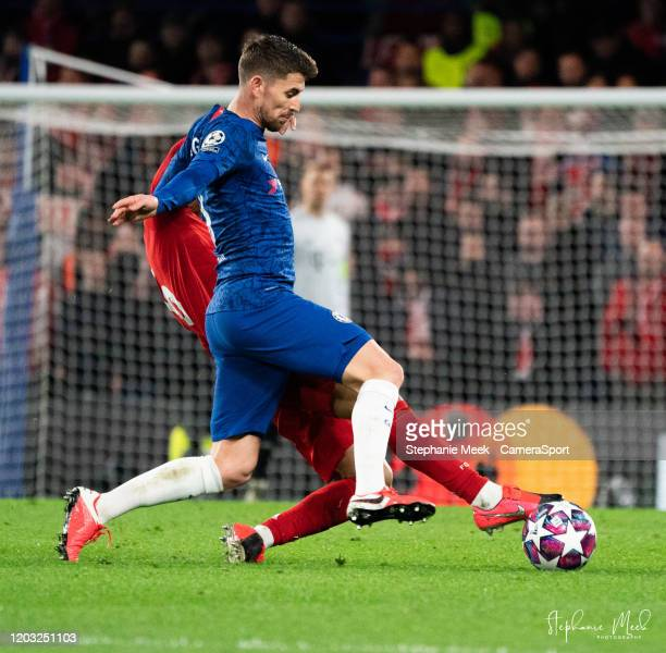 Chelsea's Jorginho battles with Bayern Munich's Thiago during the UEFA Champions League round of 16 first leg match between Chelsea FC and FC Bayern...