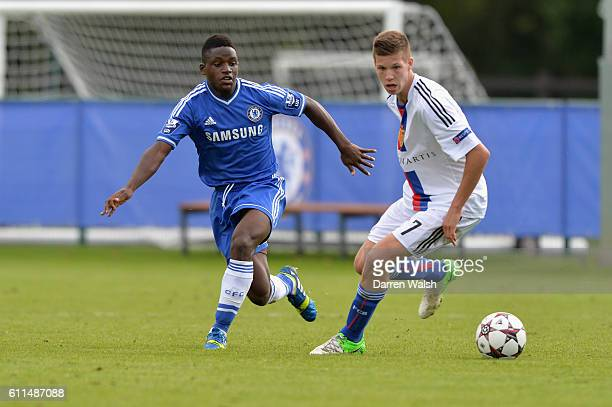 Chelsea's Kevin Wright and FC Basel's Cedric Jan Itten during a U19 UEFA Youth League match between Chelsea U19's v FC Basel U19's at the Cobham...