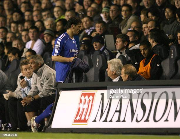 Chelsea's Khalid Boulahrouz is replaced not long after coming on
