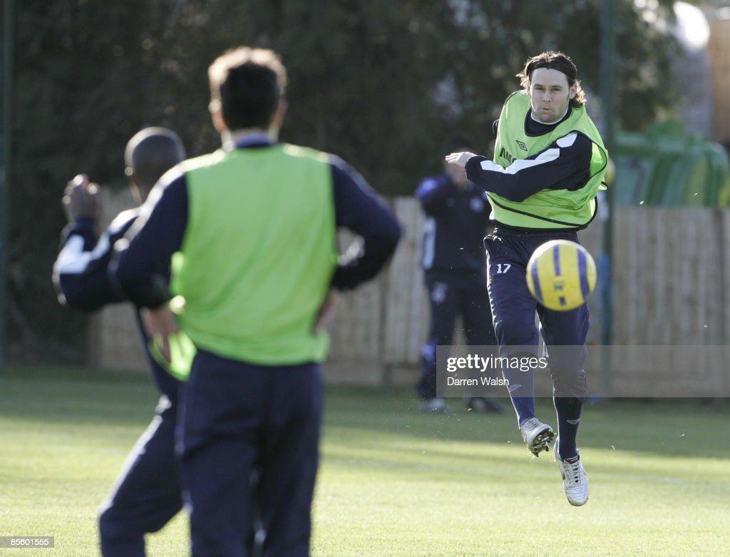 Soccer - Barclays Premiership - Chelsea Training - Cobham Training Ground