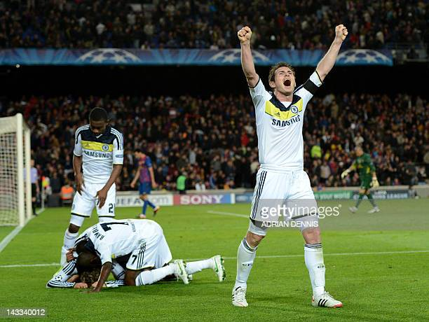 Chelsea's midfielder Frank Lampard celebrates after Chelsea's Spanish forward Fernando Torres scored during the UEFA Champions League second leg...