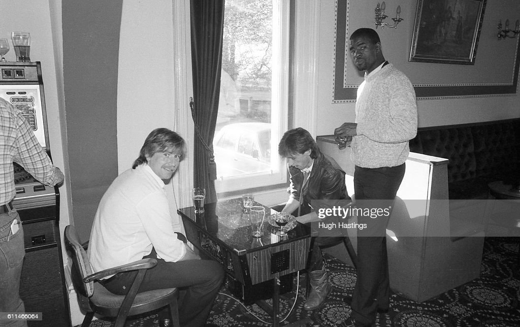 Chelsea's Pat Nevin plays a computer game with Club Photographer ...