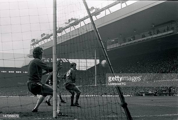 Chelsea's Peter Bonetti prepares to stop a shot as Liverpool's Bobby Graham watches during the Football League Division One match between Liverpool...