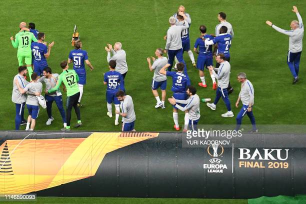 Chelsea's players celebrate at the final whistle of the UEFA Europa League final football match between Chelsea FC and Arsenal FC at the Baku Olympic...