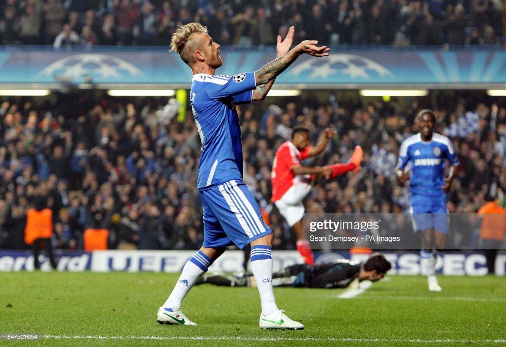 Soccer - UEFA Champions League - Quarter Final - Second Leg - Chelsea v Benfica - Stamford Bridge : News Photo