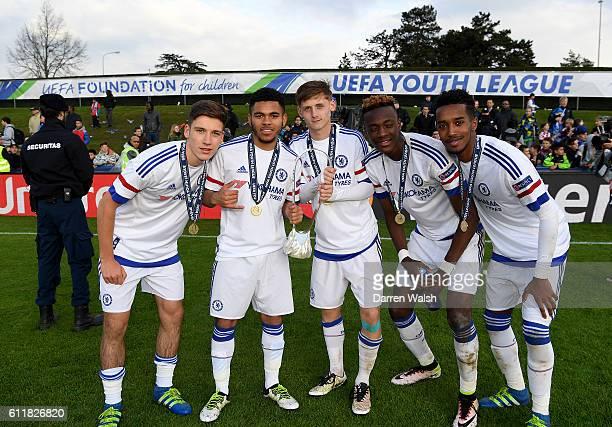 Chelsea's Ruben Sammut Jay DaSilva Kyle Scott Tammy Abraham and Ali Mukhtar celebrate with the trophy