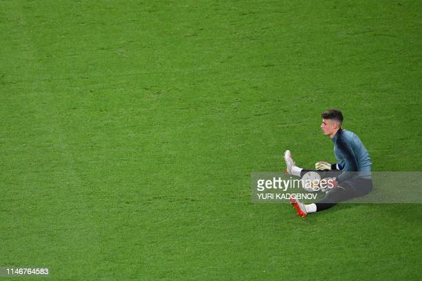 TOPSHOT Chelsea's Spanish goalkeeper Kepa Arrizabalaga is seen during a training session at the Baku Olympic Stadium in Baku on May 28 2019 on the...