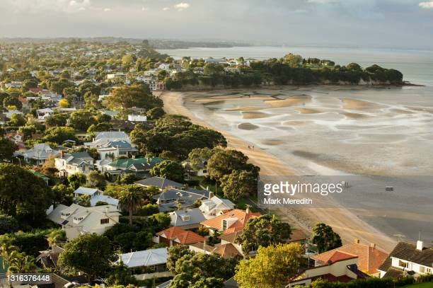 cheltenham beach - auckland stock pictures, royalty-free photos & images