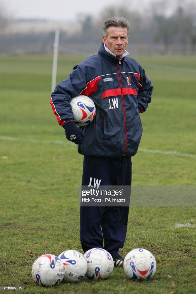 Soccer - Cheltenham Town : News Photo