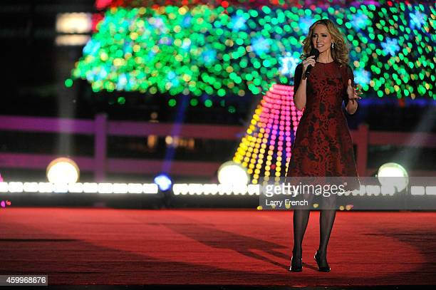 Chely Wright performs at the National Park Foundation and Google's Made with Code National Christmas Tree Lightening Ceremony on December 4 2014 in...