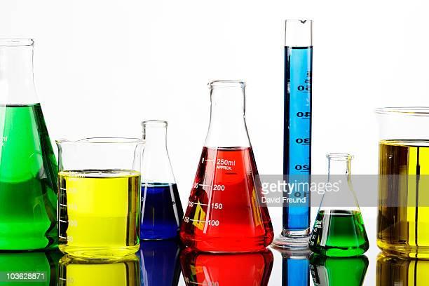 chemicals in laboratory equipment - laborschlauch stock-fotos und bilder