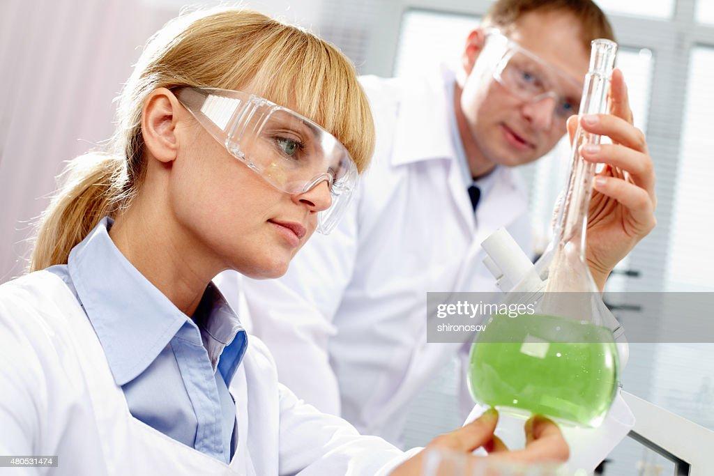 Chemist at work : Bildbanksbilder