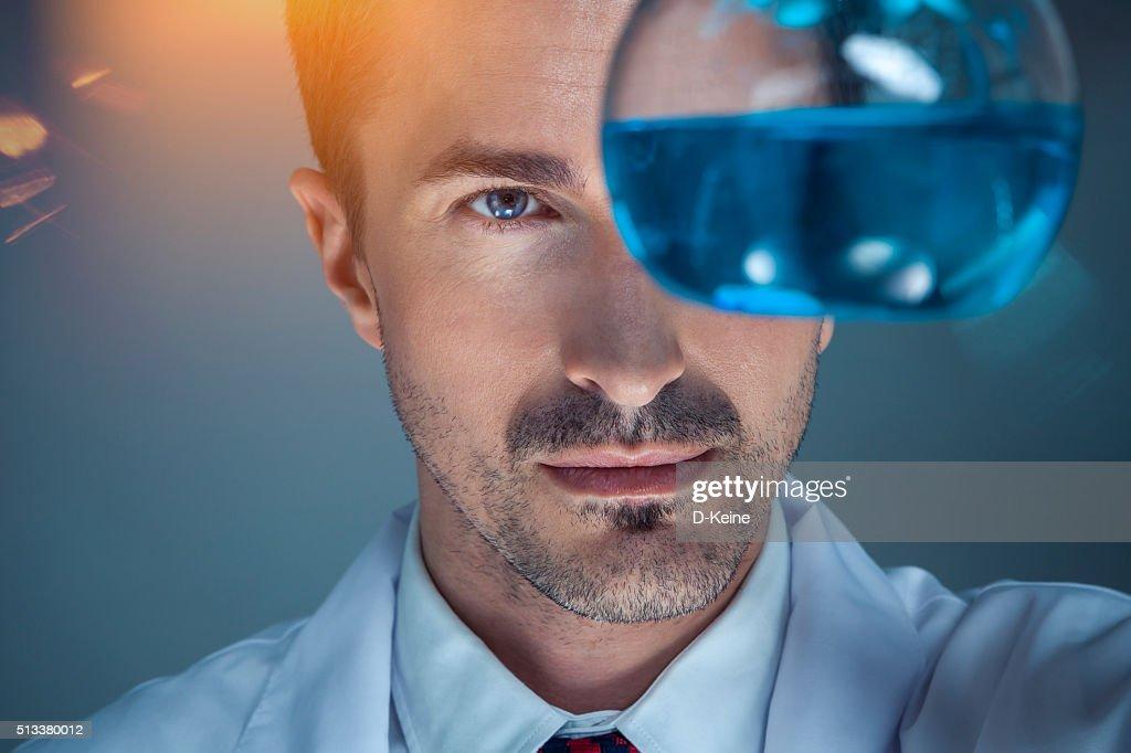 Chemist : Stock Photo