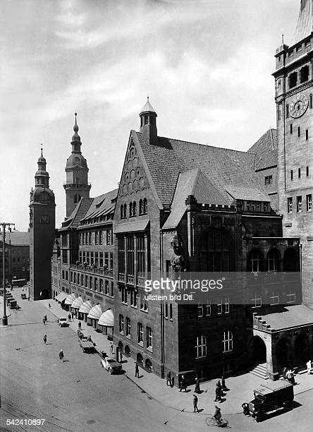 Chemnitz Rathaus Südfront iV Neues Rathaus iH altes Rathaus mit dem alten Turm altes Rathau mit altem Turm um 1928