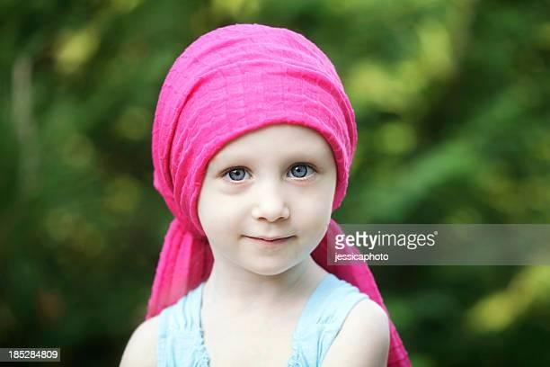 chemo child - alleen één meisje stockfoto's en -beelden