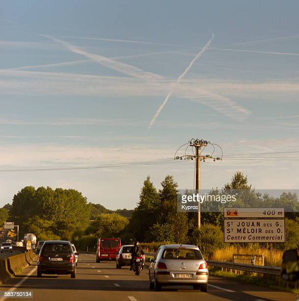 Chemtrails Or Contrails (Depending On Your Point Of View And Knowledge)