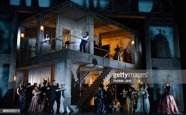 Chen Reiss as Zerlina, Anatoli Sivko as Masetto, Ildebrando D,Arcangelo as Leporello, Mariusz Kwiecien as Don Giovanni, Hrachuhi Bassenz as Donna...
