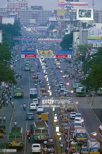 chennai, evening traffic on anna salai rd - tamil nadu stock pictures, royalty-free photos & images
