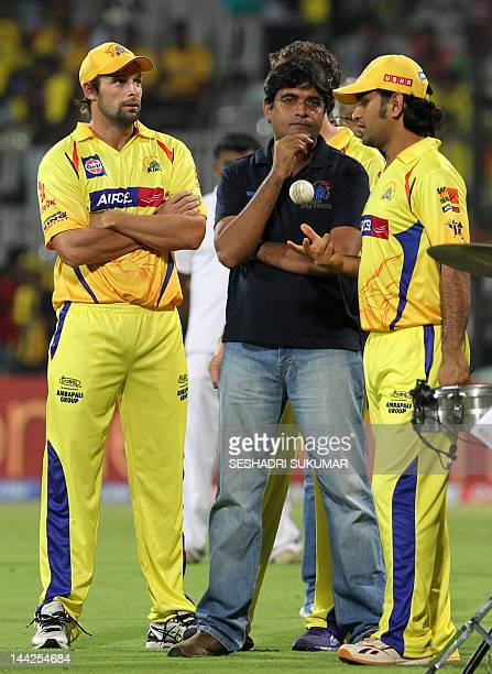Chennai Super Kings captain MS Dhoni CSK owner Gurunath Meiyappan and Ben Hilfenhaus attend the presentation ceremony during the IPL Twenty20 cricket...