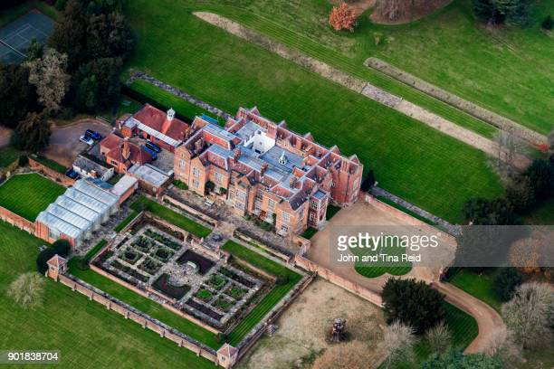 chequers - the official residence of the british prime minister - buckinghamshire stock pictures, royalty-free photos & images