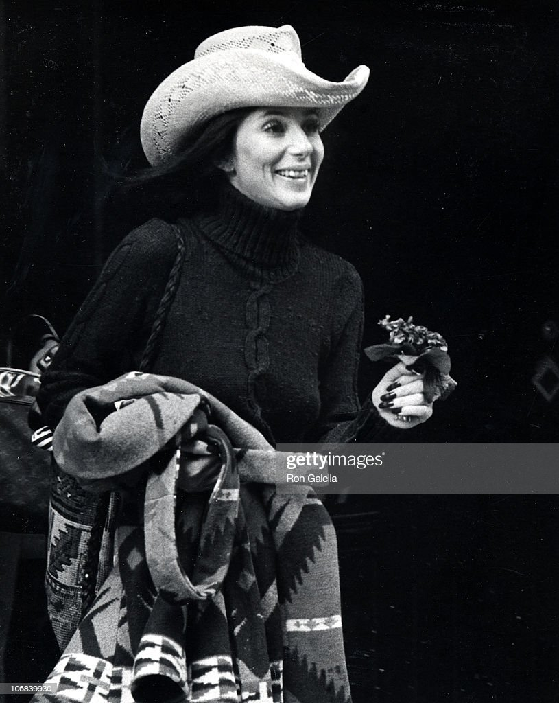 Cher Sighting at JFK Airport After Leaving Avedon's Studio for Vogue Layout - October 31, 1974 : News Photo