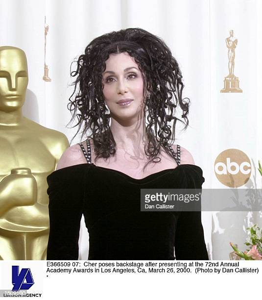 Cher poses backstage after presenting at the 72nd Annual Academy Awards in Los Angeles Ca March 26 2000
