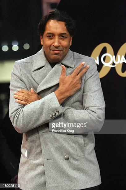 Cherno Jobatey Bei Der 007 Ein Quantum Trost Premiere Im Cinestar Am Potsdamer Platz In Berlin Am 031108